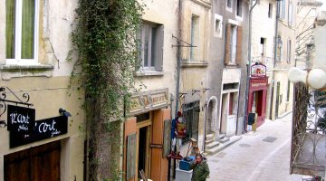 Rue du Grand Bourgade Uzes, Languedoc Roussillon, France