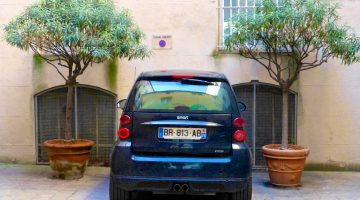 Smart car parking in Provence!
