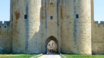 Gates to the walled Medieval city of Aigues-Mortes, Langudoc Roussillon, France
