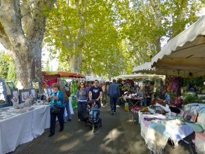 Activities in Lourmarin, The Loumrarin Market