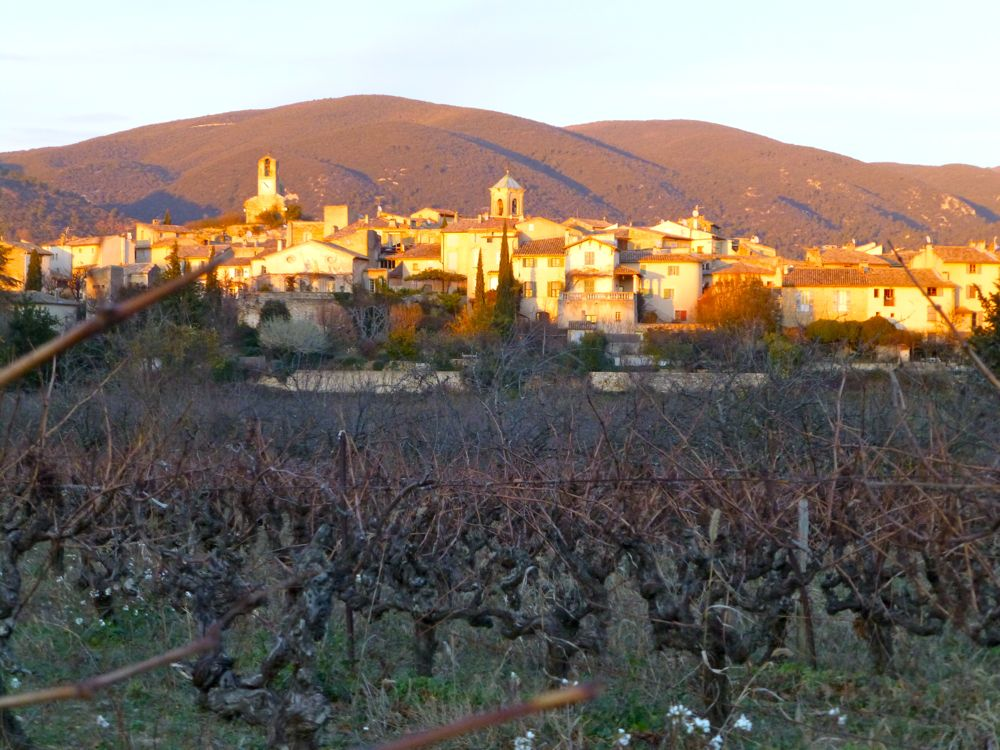 Lourmarin in December late afternoon