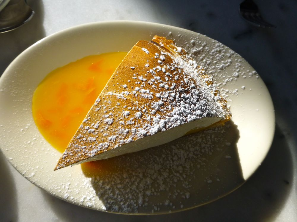 tarte au citron meringuée, lemon meringue pie, desert at Bistro Jeanty