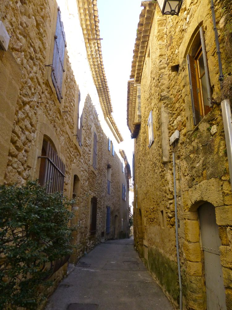 Provencal street, traditionally narrow to protect against invasion