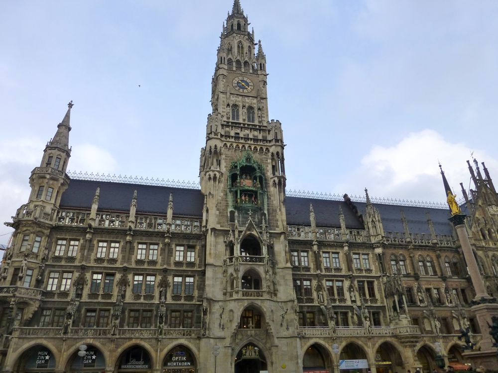New Town Hall, (Neues Rathaus). Marienplatz, Munich. Germany