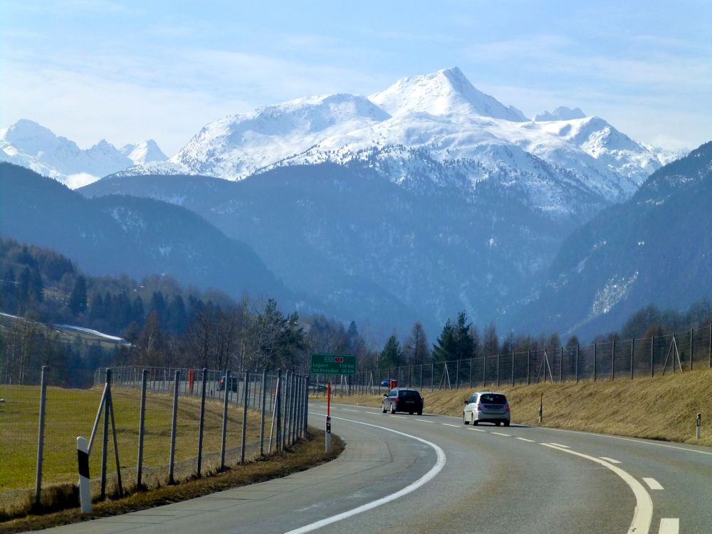The Swiss Alps, driving to Lake Como
