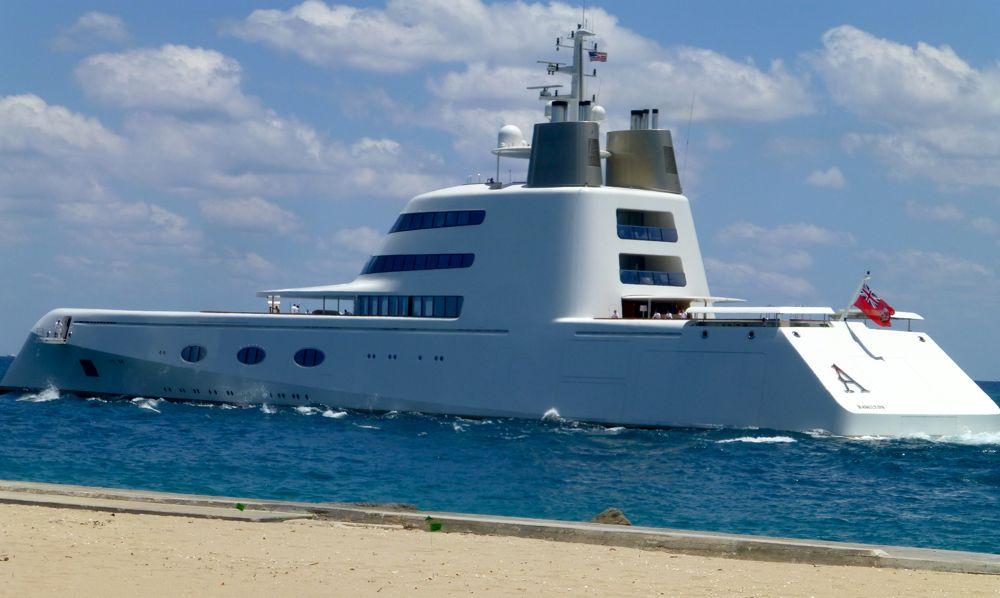 Cruiser leaving West Palm Beach, Florida, USA