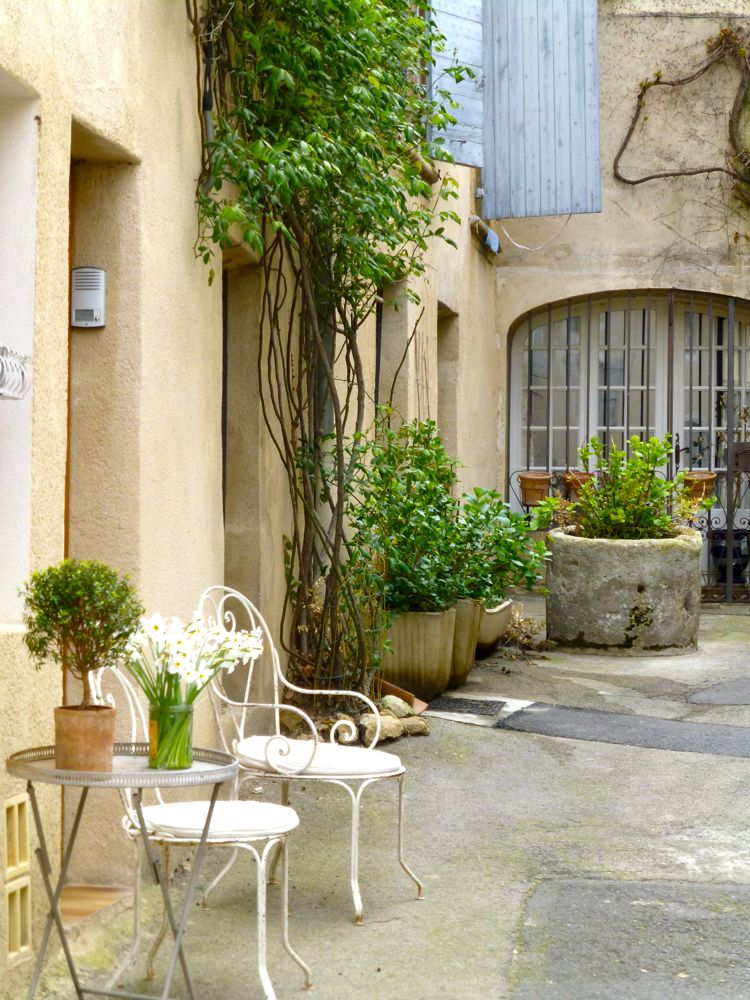 Spot for coffee, Lourmarin, Provence, France