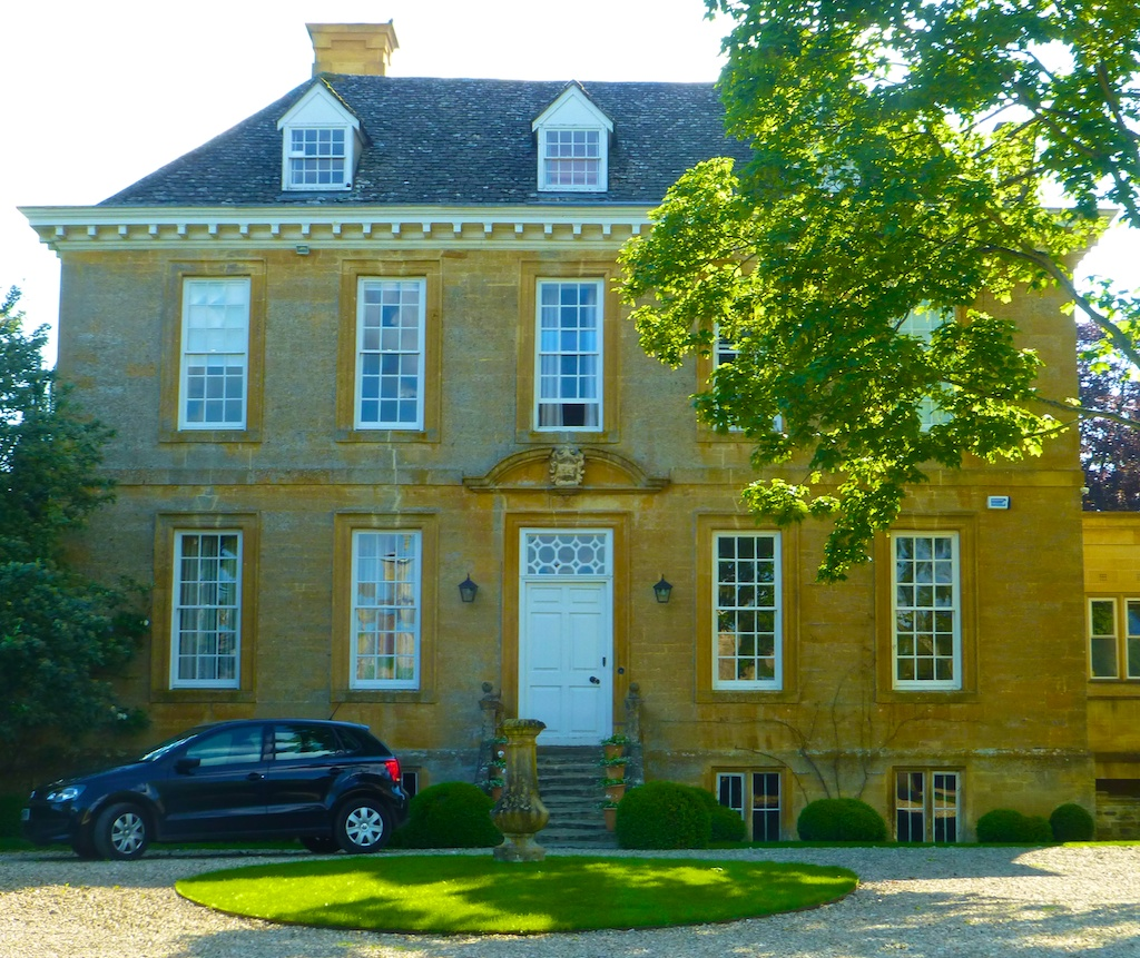 English Cotswold stone, Queen Anne property in Kingham