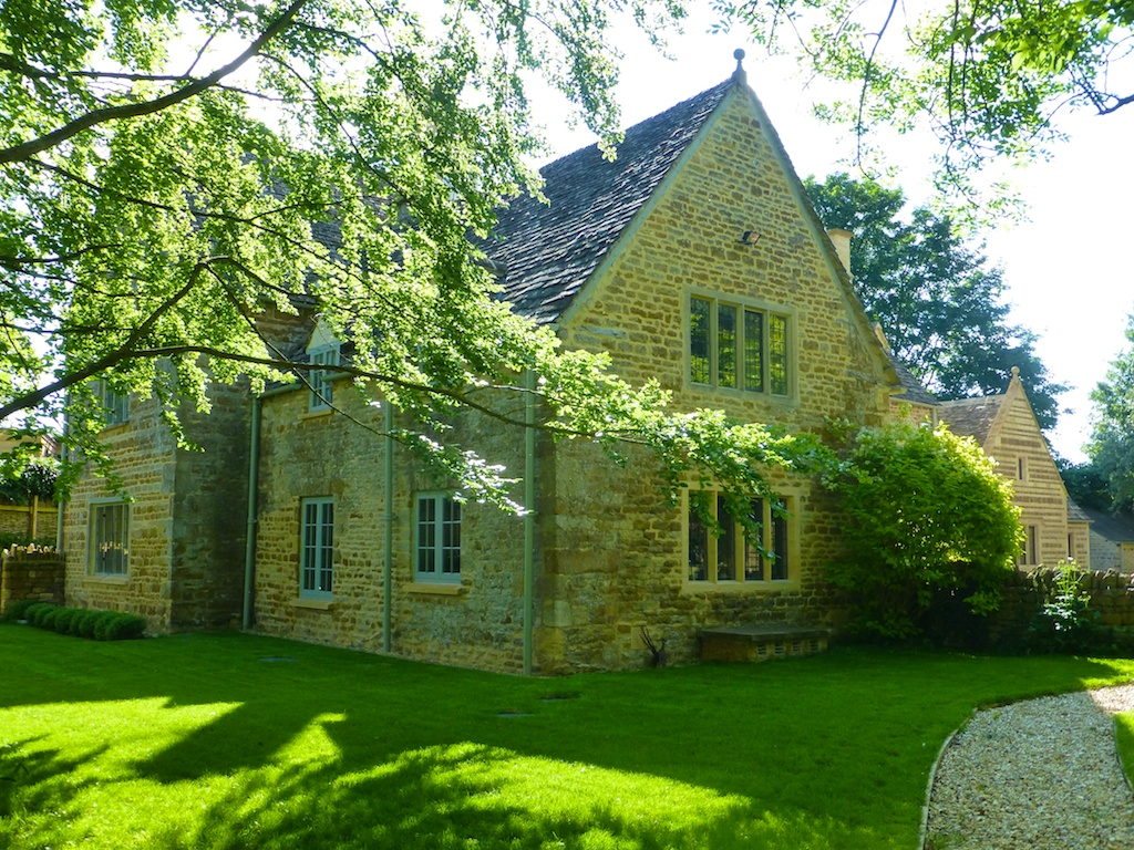 English Cotswold stone property in Kingham
