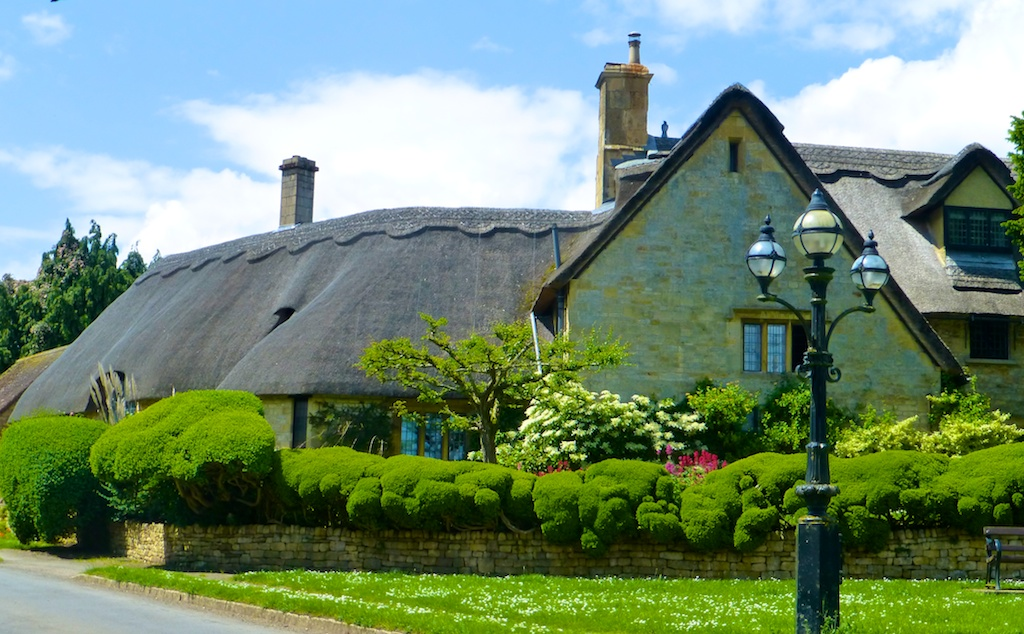 Thatched cottage Chipping Campden