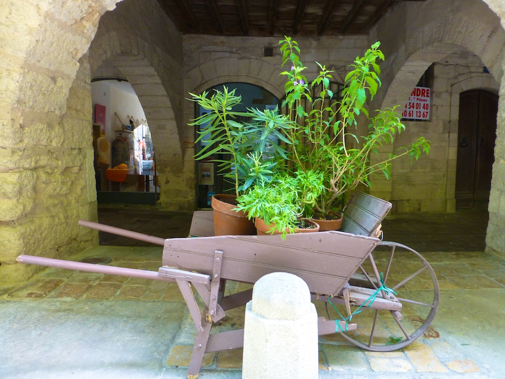 Cart in Place aux herbes, Uzes at Night, Uzes, Languedoc Rousillon, France