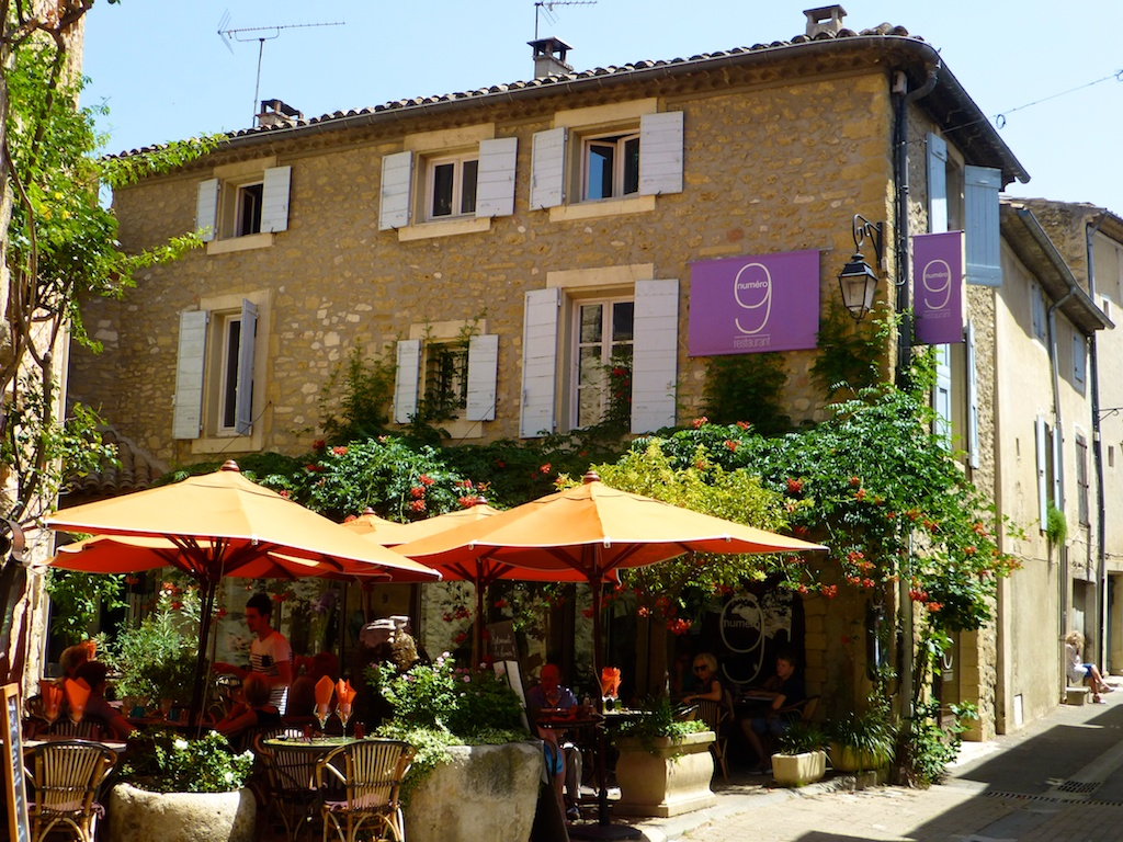 Lunchtime in Lourmarin, the Vaucluse, France