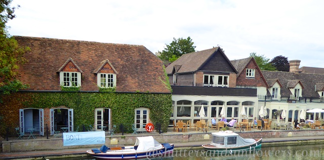 The Swan Hotel at Streatley Berkshire