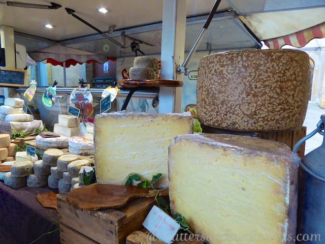 French cheese in the Market in Lourmarin in the Luberon Valley, Vaucluse, Provence, France