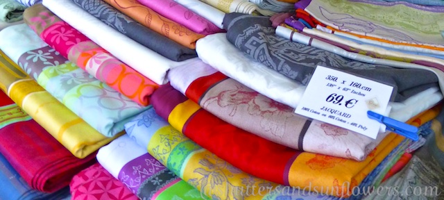 Tablecloths in the Uzes market