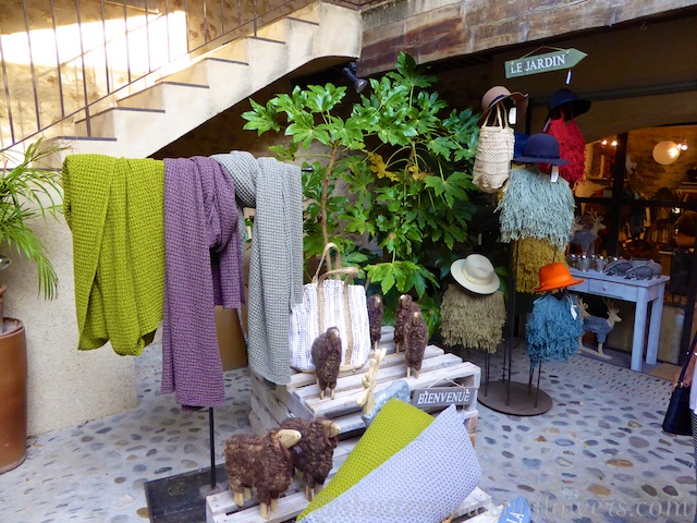 Shopping in Lourmarin in the Luberon Valley, Vaucluse, Provence, France