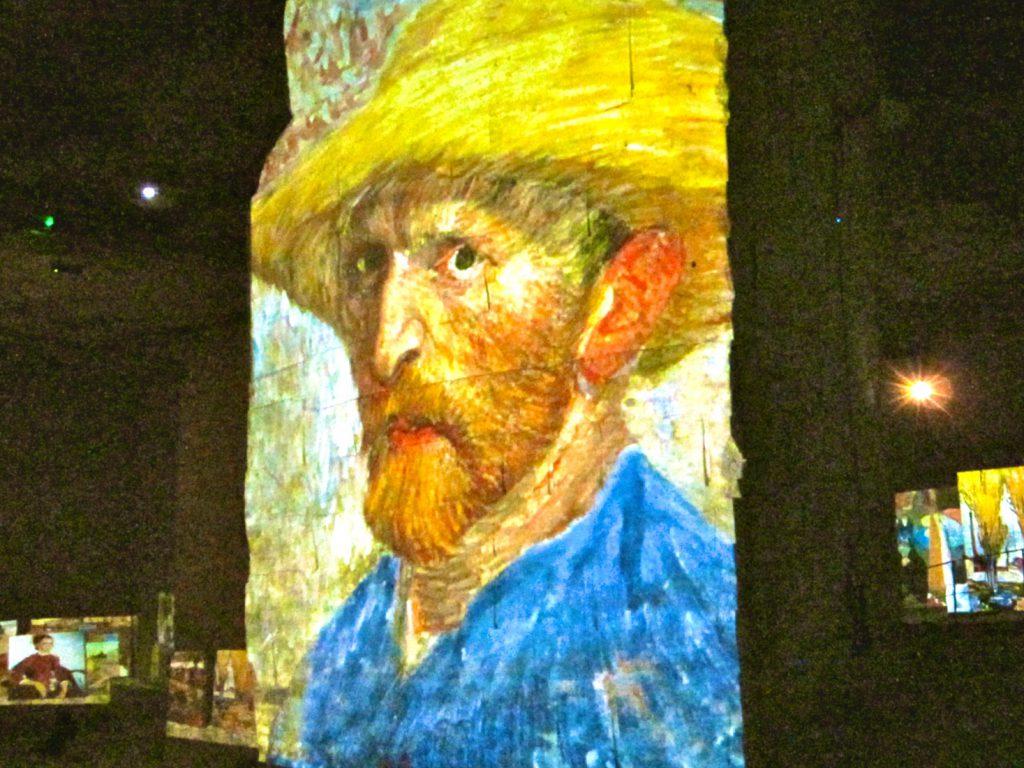 Carrières de Lumières Van Gogh, multi media art show
