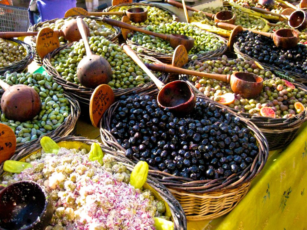 Olives for sale in the Uzès market