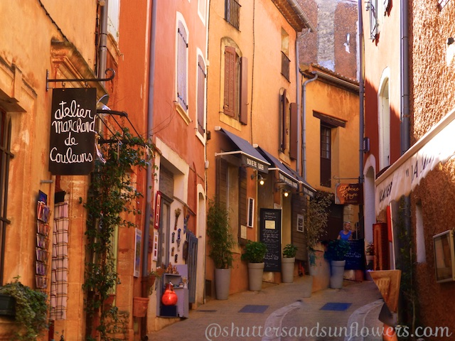 Rousillon, Luberon Valley, Vaucluse, Provence, France