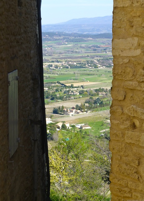 A glimpse of the Luberon valley Gordes, Luberon, Vaucluse, Provence, France