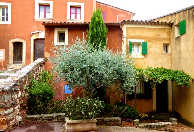 Properties in Roussillon, ochre buildings in Roussilon, Luberon perched village,Vaucluse,Provence
