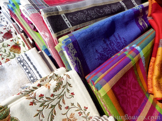 Table cloths in Lourmarin's Friday market, Luberon, Vaucluse, Provence, France