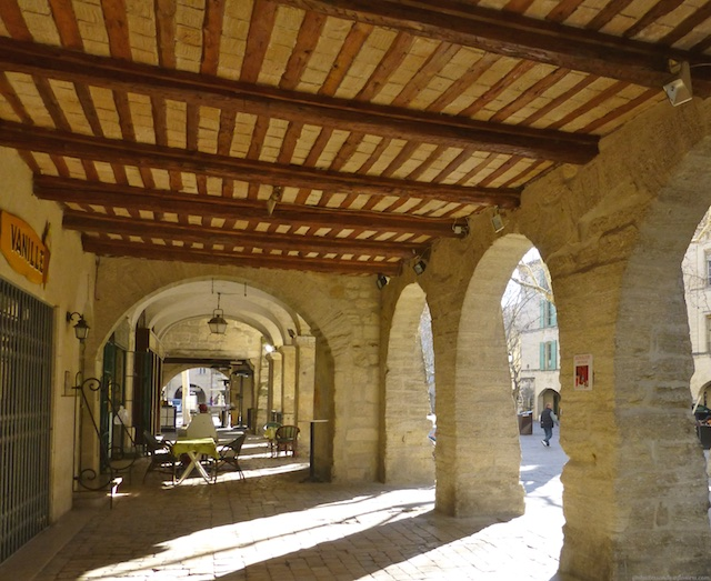 Travel Guide Uzes near Provence, Languedoc Roussillon, France