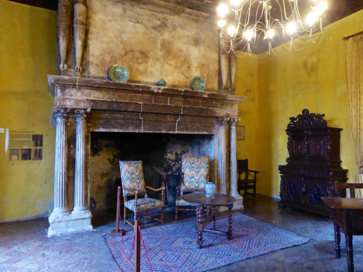 Fireplace in Reception room of the Lourmarin chateau, Loumrarin, Luberon, Vaucluse, Provence, France