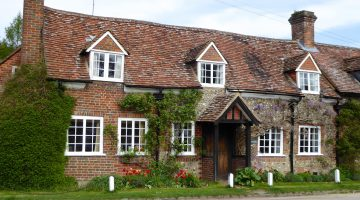 Springtime in England, a village house in Turville
