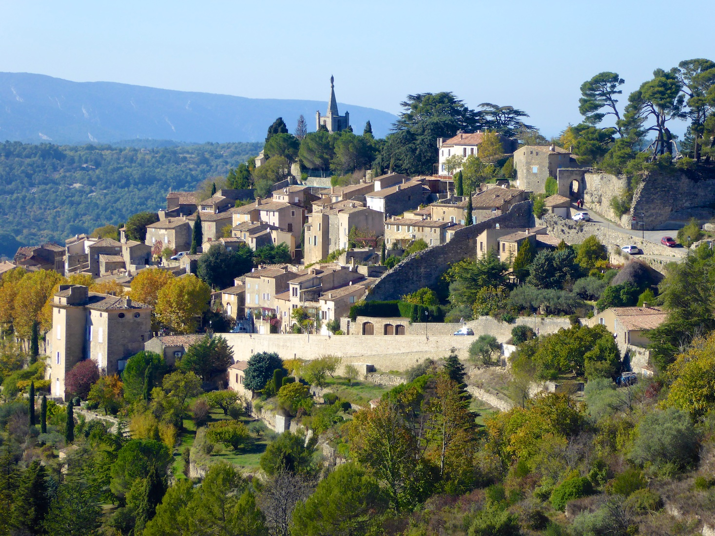 Plan a stay in Lourmarin visit Bonnieux, Luberon, Vaucluse, Provence, France