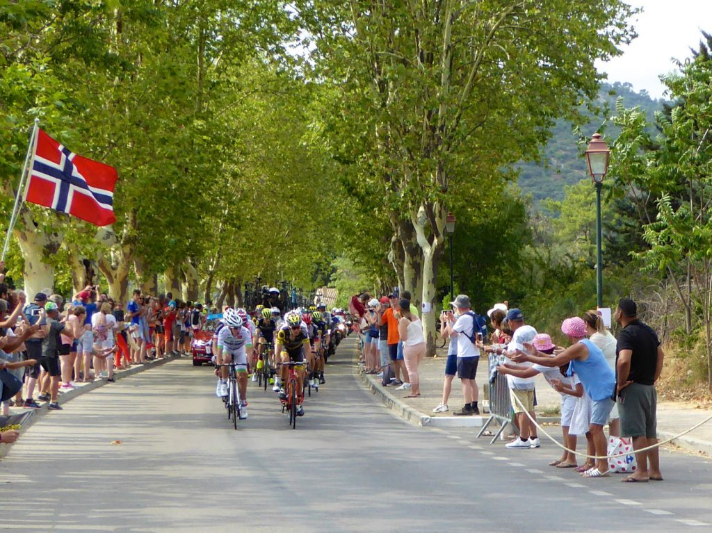 Tour de France 2017 arriving in Lourmarin