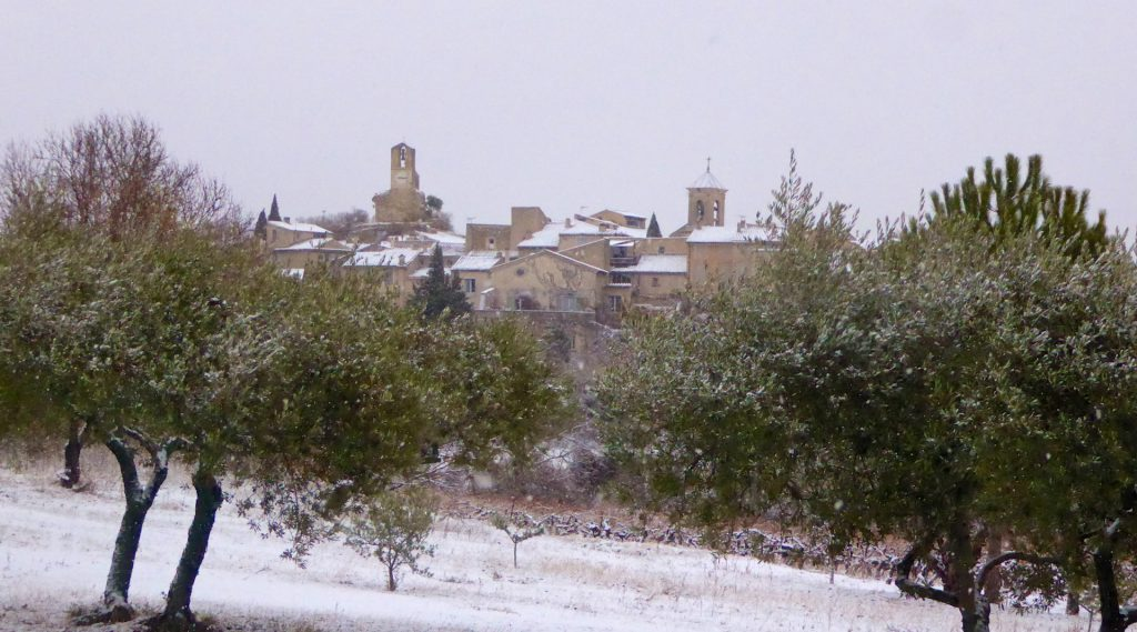December snow in Lourmarin, Luberon, Vaucluse, Provence
