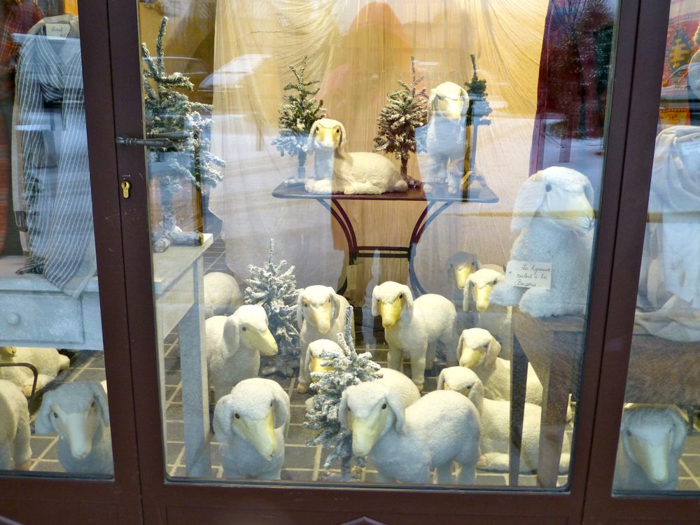 Christmas shop window, fluffy sheep in Lourmarin, Provence, France