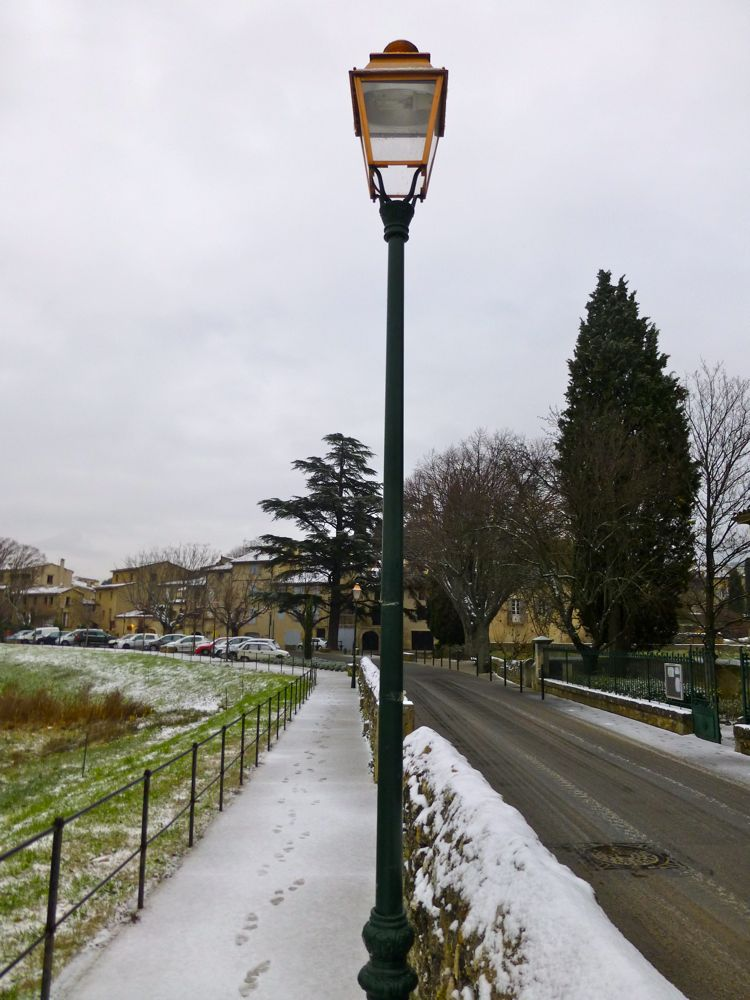 Snow on the lamp posts, like Mr Tumnus' in 'The Lion the witch and the wardrobe' in Lourmarin Provence!