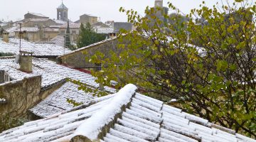 Snow on the Lourmarin roof tops, Lourmarin, Luberon, Provence