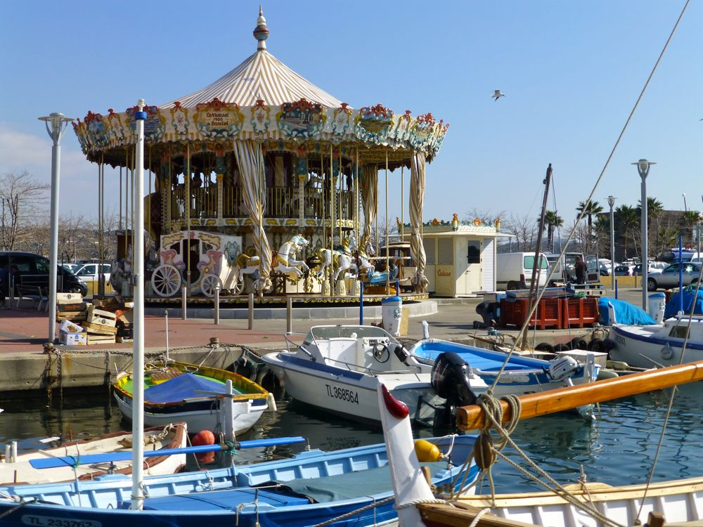 Carousel at Bandol quayside
