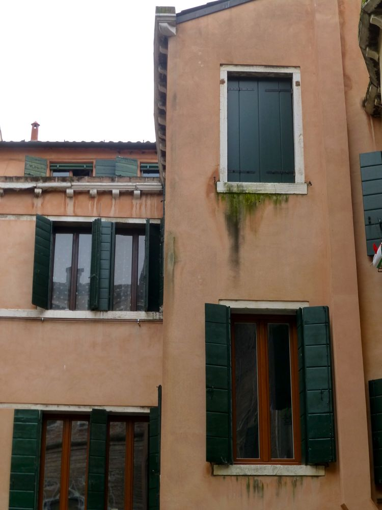 Humidity damage to a restored building in Venice after just one year