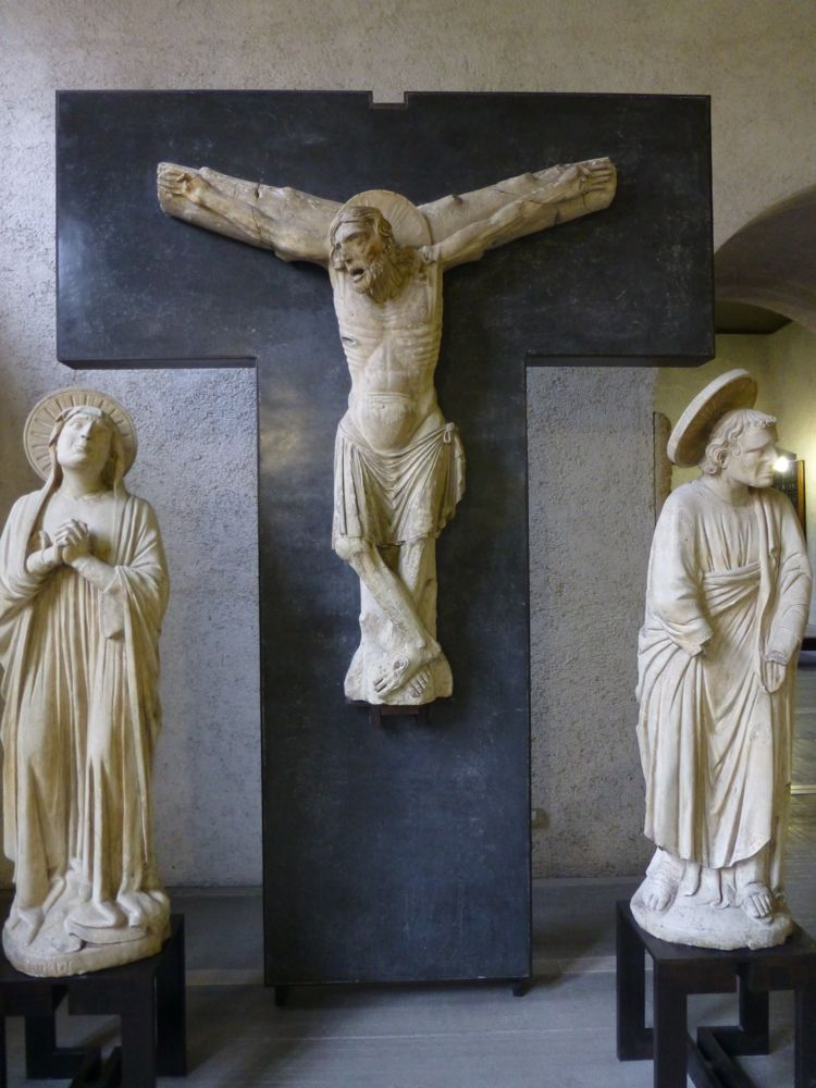 Crucifixion, sculptors at Castelvecchio, Verona, Italy