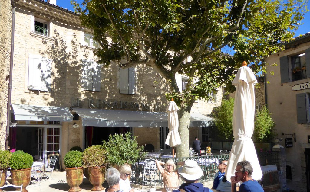 Hôtel le Renaissance, Gordes, Luberon, Provence 'Fanny's Cafe' in the movie 'A Good Year'