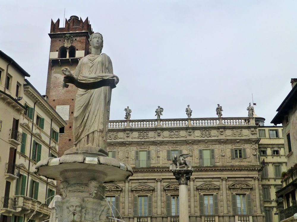 In Piazza Erbe, Verona, In Piazza Erbe, Verona, spectacular Italian architecture