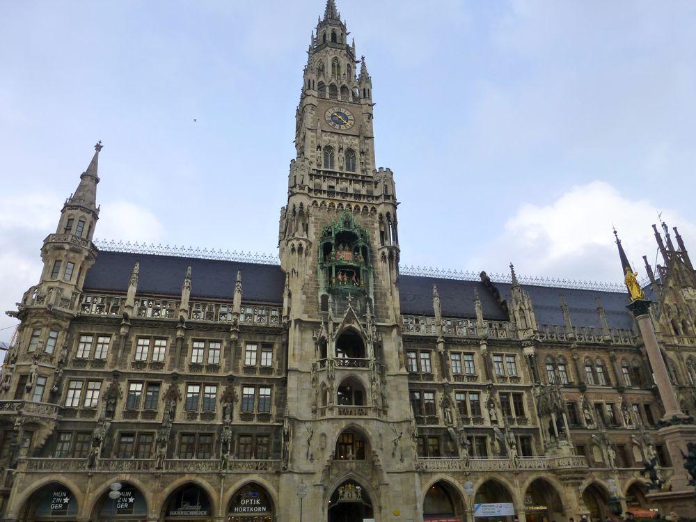 New Town Hall, (Neues Rathaus). Marienplatz, Munich. Germany