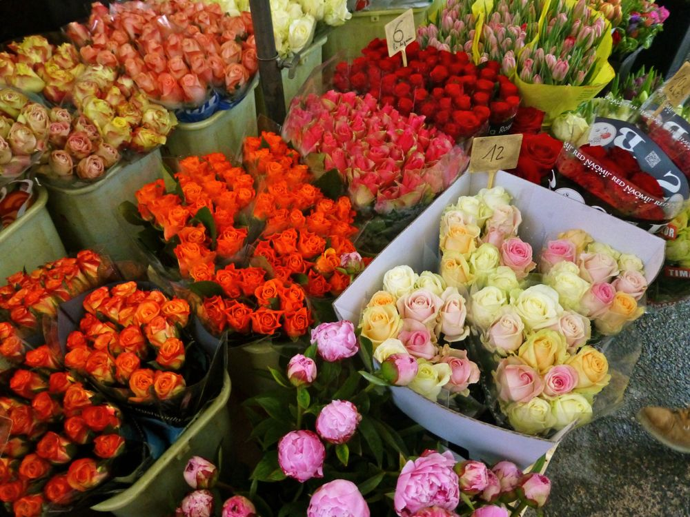 Flowers at Lourmarin's market Luberon, Provence, France