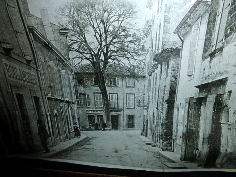 La Boulangerie, Lourmarin. the Luberon, Provence, France, in the 18th century!