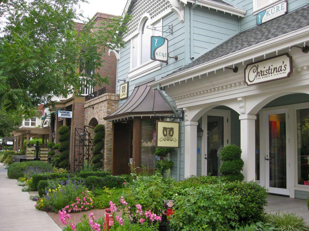 Prospect Street, Danville, California USA