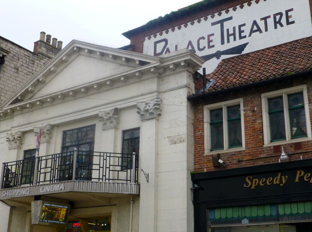 Malton's Palace Movie Cinema