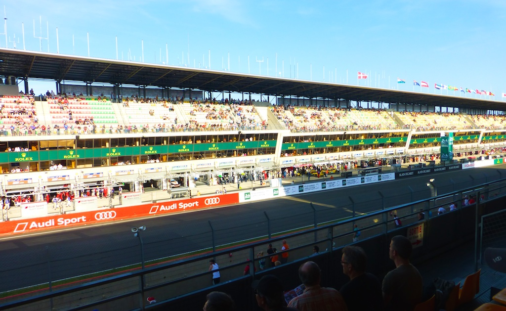 The track, start finish line, at 24 heures du Mans 2014