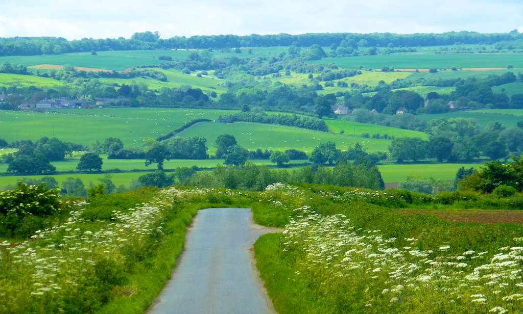English lanes of the Cotswolds