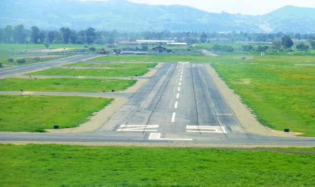 Approaching at Livermore Airport, Northern California