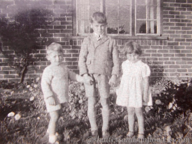 Roy, Jean & Malcom Garner outside their home in Westridge Green, Berkshire, UK
