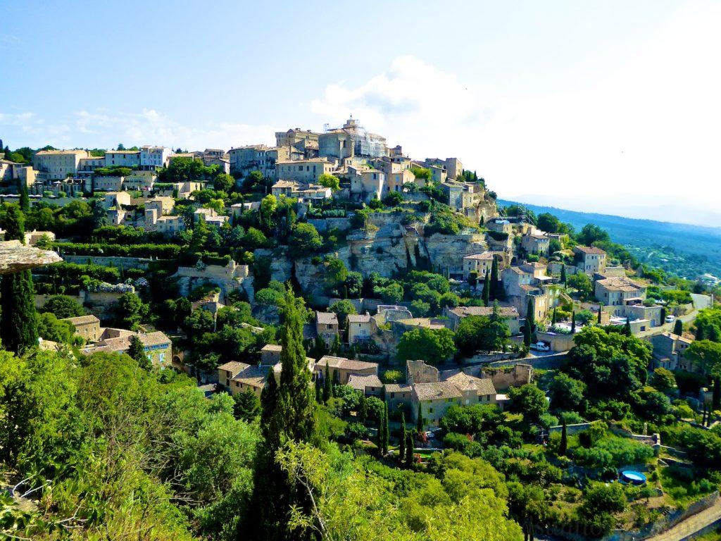 Gordes, Luberon, Vaucluse, Provence - Lourmarin Travel Guide